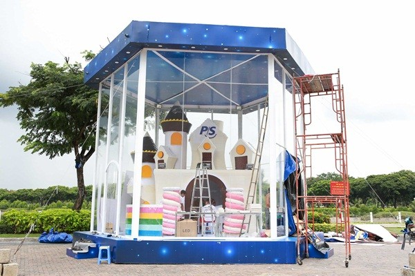Hình ảnh: Ngôi nhà được thiết kế 100% từ bánh kẹo, cao 6m lần đầu xuất hiện tại Việt Nam số 2
